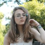 Ната Попова